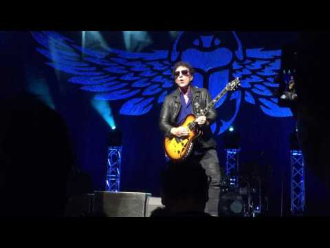 Journey Live in Singapore - Neal Schon, Extraordinary Guitar Player HD