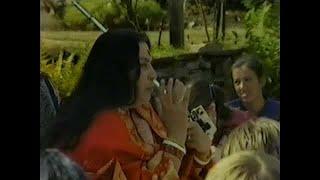1983-0821 la Terre-Mère à la Puja Parler: Nous devons comprendre la valeur de la Terre Mère, royaume-UNI, DP-RAW