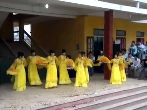 [THPT Nguyễn Du, Nam Trực, Nam Định] 16/11/2012 12B Múa quạt