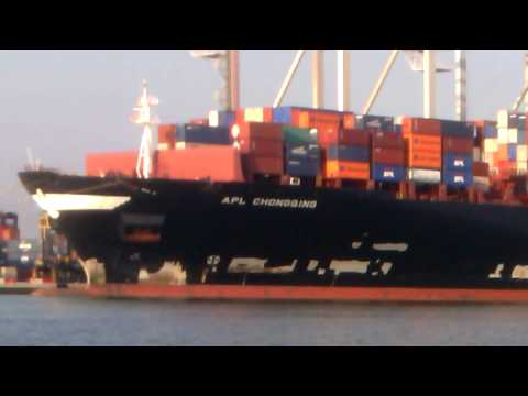 APL CHONGQING Container Ship in Southampton (SCT5)