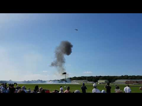 Apache helicopter attack show 2017 Wings and Wheels