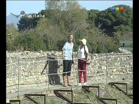marley-y-georgina-en-el-anfiteatro-romano---por-el-mundo