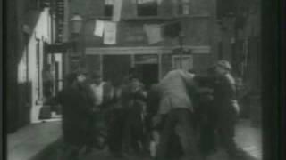 Charles Chaplin-La Calle de la Paz (Easy Street) (I)