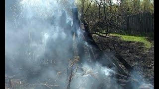 В Шадринске и районе почти неделю горит сухая трава.(, 2016-05-05T14:19:46.000Z)