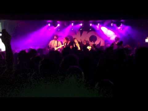 "Fokofpolisiekar ""Ek Skyn (Heilig)"" Live at the Assembly 2013"
