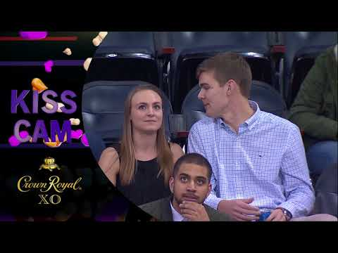 Woman Goes Off On Man For Failing To Kiss Her On 'Kiss Cam'