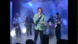 BRYAN FERRY - Is Your Love Strong Enough (TOTP Performance)