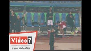 فيديو.. شاهد كيف احتفل حسام البدري وجماهير الاهلي بعد احراز هدف الفوز على الانتاج الحربي