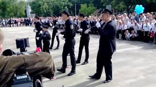 До чего дошел прогресс )) Песня на выпускном в Киевской школе.