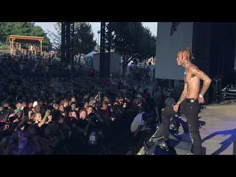 """Lil Skies Performs """"Sad"""" In Tribute To XXXTentacion"""