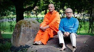 Swami Nirmalanandanatha, Head of Sri Adichunchanagiri Muth, Discusses with Rajiv Malhotra