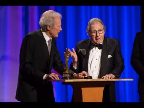 Clint Eastwood honors Lalo Schifrin at the 2018 Governors Awards