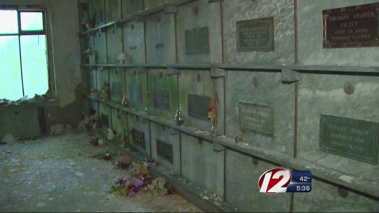 The City Plans To Remove The Bodies In The Mausoleum Youtube