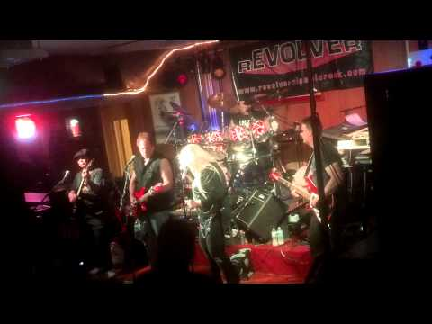 Revolver performing Crazy on You 20130518210137_734