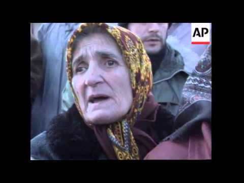 BOSNIA: TUZLA: MUSLIM PROTEST OVER MISSING FATHERS AND SONS