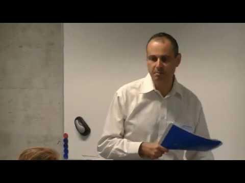 generalized Kohn Sham and derivative discontinuity