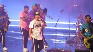 "Bruno Mars ""Perm"" United Center 8-16-2017"