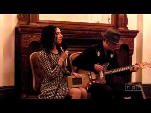 PJ Harvey & John Parish - Live at SXSW