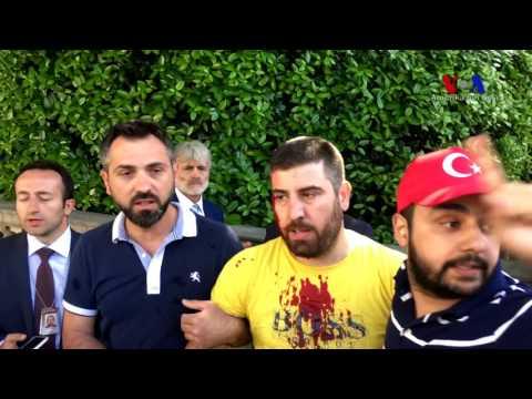 Türk Büyükelçiliği Konutu Önünde Kavga
