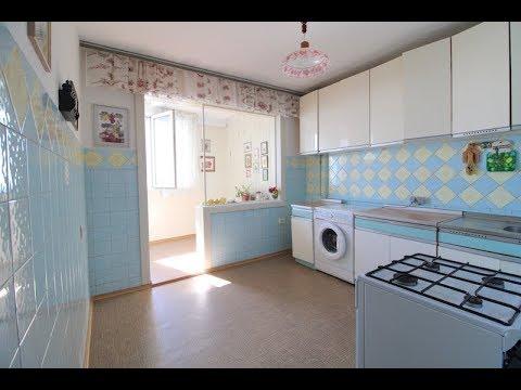 Продажа 2х-комнатной квартиры серия ЮБК с видом на море в Ялте на 10м микрорайоне