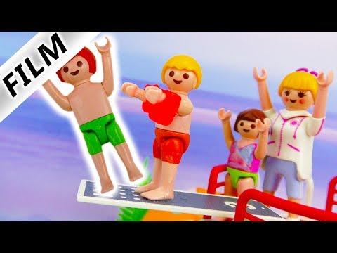 Playmobil Film Deutsch - JULIAN VOM SPRUNGRBRETT GESCHUBST! STRESS IM SCHWIMMBAD! Familie Vogel