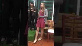 13 year old white girl sings in spanish los laureles