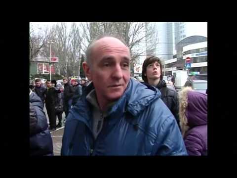 Ukraine revolution 150000 Russian troops on alert as US warns Putin, economic panic in Kiev