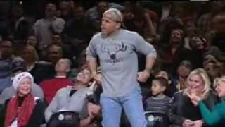 Shawn Michaels surprises the NBA fans at San Antonio Spurs halfitme,with Sweet Chin Music!!!