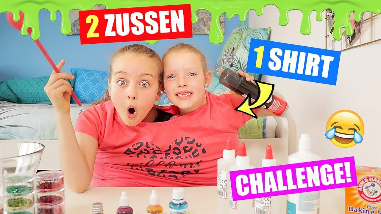 2 ZUSSEN 1 SHIRT - SLIJM CHALLENGE!! [We Proberen In 1 T-Shirt Slijm Te Maken] ♥DeZoeteZusjes♥