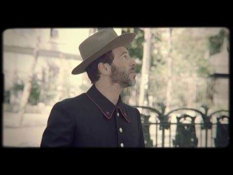 Christophe Maé - La Parisienne (Clip officiel)