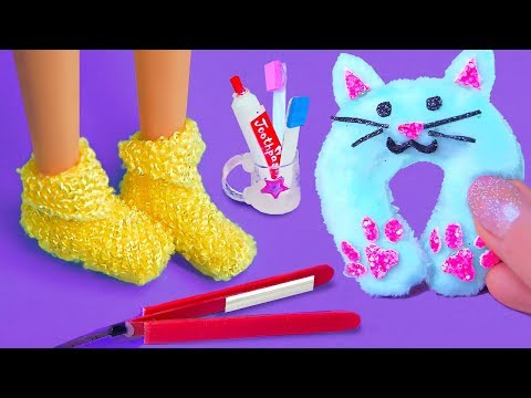 10 DIY Barbie Crafts ~ Cake, Backpack, Socks! and more