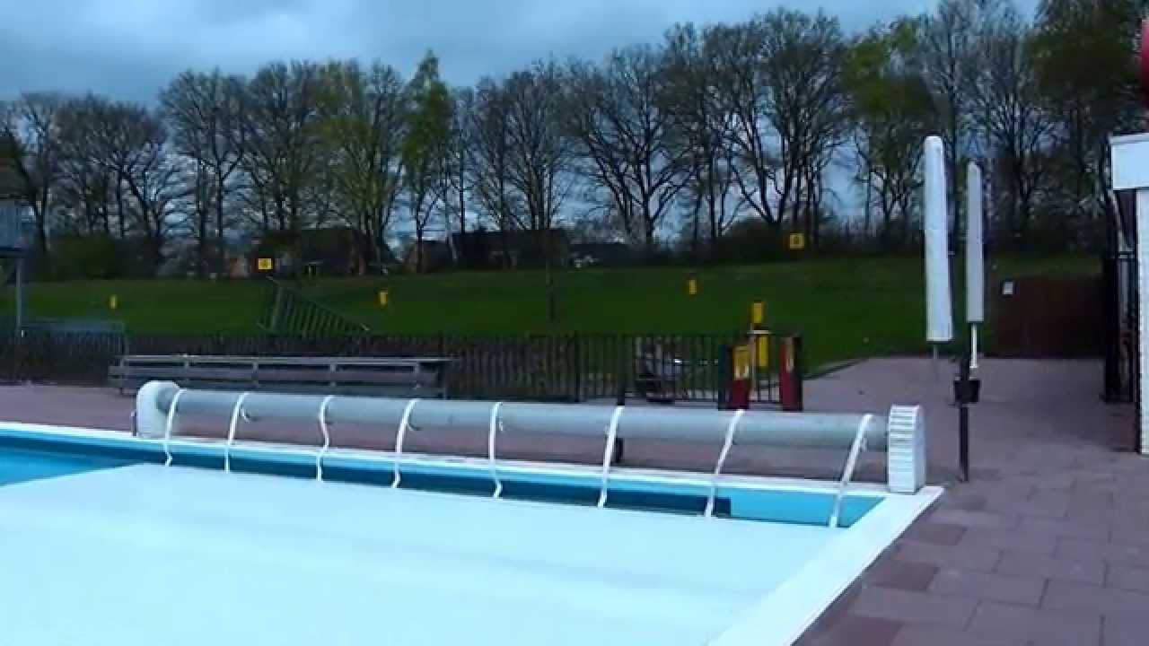 Zwembad de hokseberg in 39 t harde weer klaar voor gebruik youtube - Zwarte voering voor zwembad ...