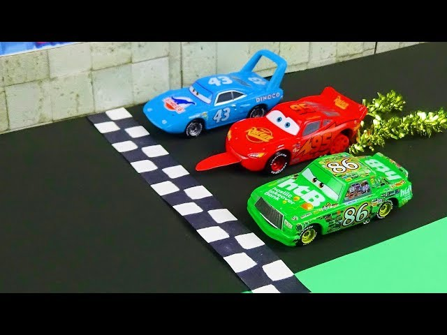Cars 1 McQueen Lost His Tire Scene Remake! Stop Motion Animation Dinoco 400 Final Lap