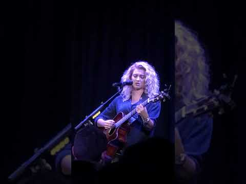2 Places (New Song) [Tori Kelly Live @ The Roxy]