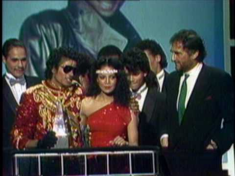 "Michael Jackson Wins Favorite Soul/R&B Video For ""Beat It"" - AMA 1984"