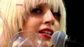 Lady GaGa - Poker Face Unplugged (LIVE)