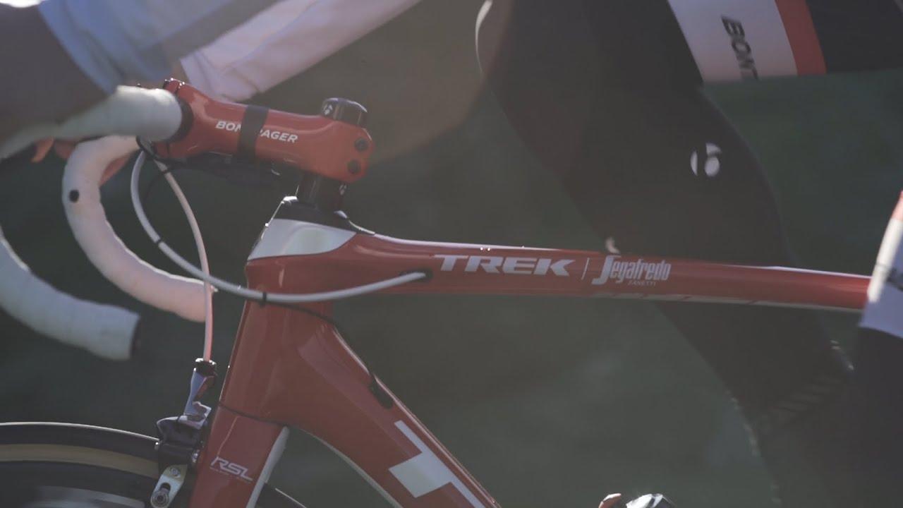 5a460e4b4ac Trek Domane SL 6 Pro Road Bike 2017   Sigma Sports