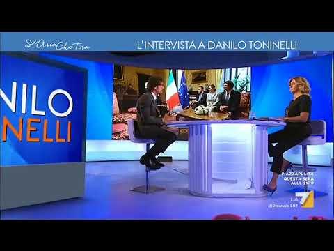 Danilo Toninelli (M5S): 'Non rifiutiamo appoggio esterno di Berlusconi'