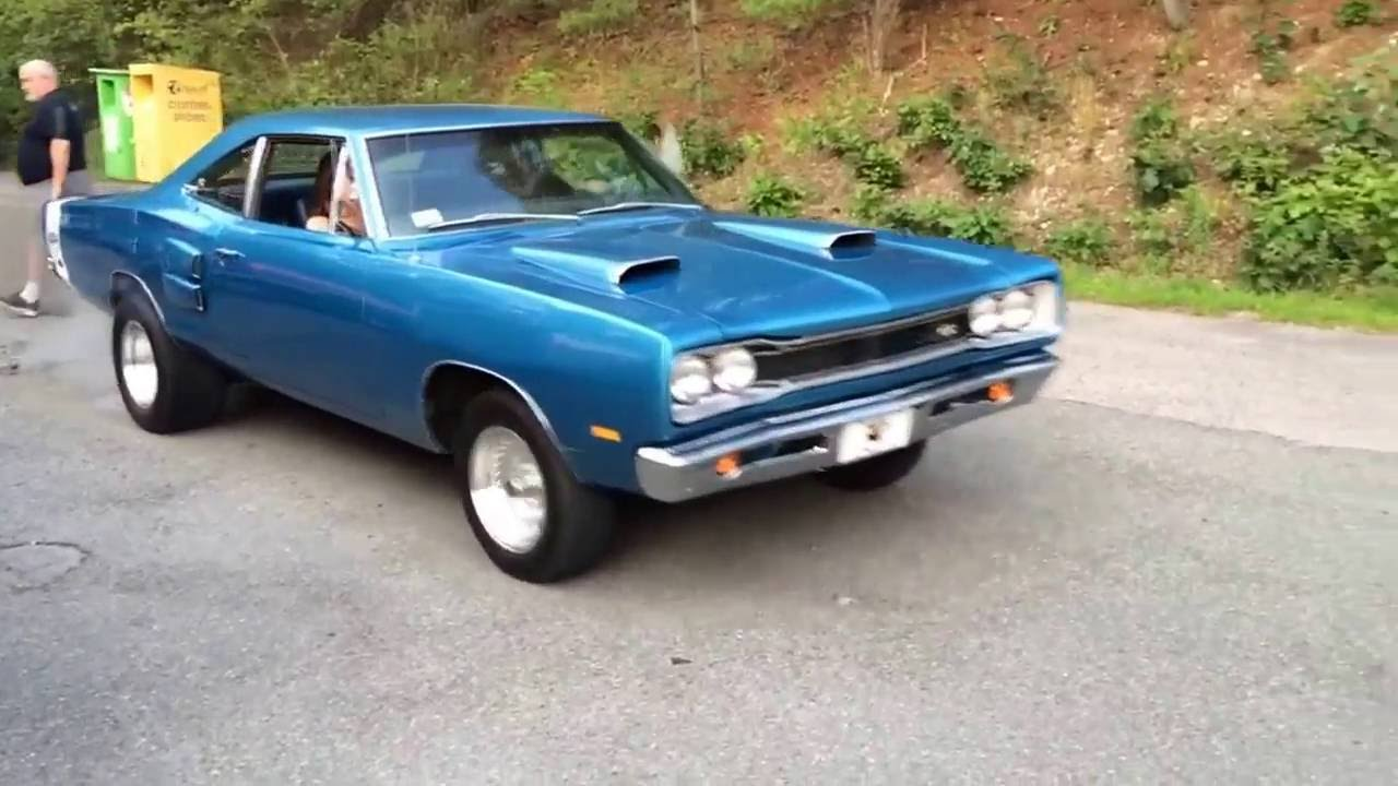 1969 Dodge Super Bee Burnout Youtube