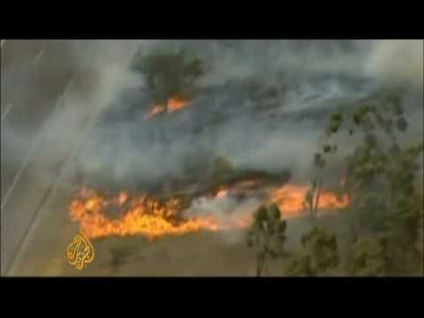 Australia struggles to battle wildfires - 7 Feb 09