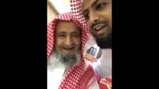 بالفيديو.. مسن تجاوز عمره الـ 80 عاماً يختم القرآن مرة كل يومين