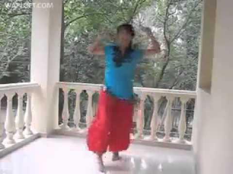 O Radha Teri Chunri   Student of The Year ...