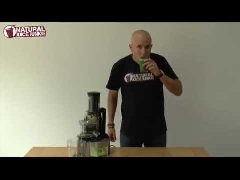 Juicing Leafy Greens in the Optimum 600 Big Mouth Cold Press Juicer