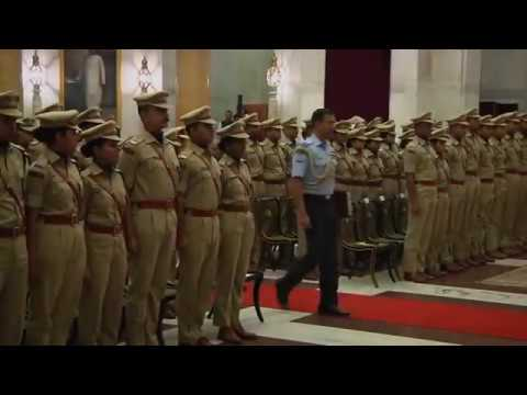 OFFICER TRAINEES OF INDIAN POLICE SERVICE CALL ON THE PRESIDENT on 11-11-2016