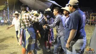 Desastre En El Ruedo ( En Vivo Zapotitlan 2015 )