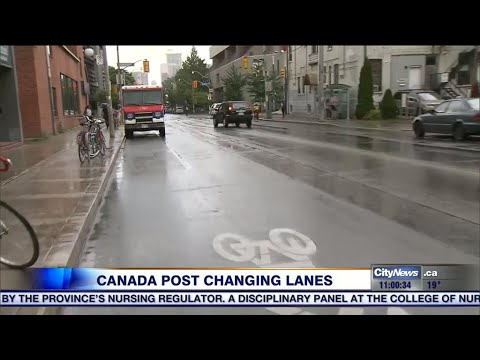 Canada Post to stop delivery trucks in Toronto bike lanes