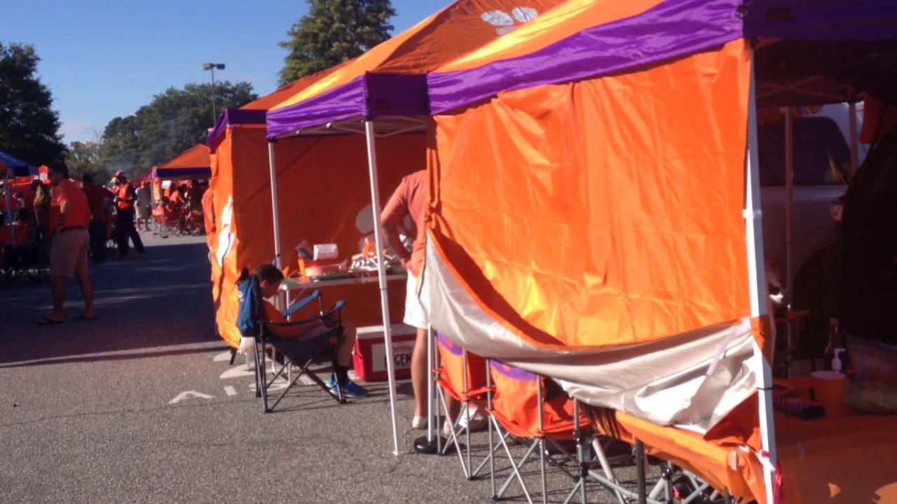 Clemson Fans Held an Epic Tailgate Before the Louisville Game & Clemson Fans Held an Epic Tailgate Before the Louisville Game - YouTube