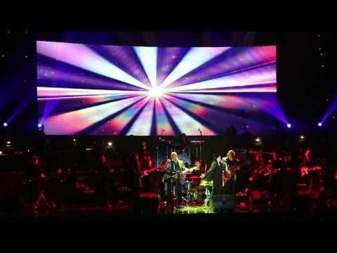 Christine Panjaitan - Tangan Tak Sampai - Amigos Band Concert 33 Tahun Berkarya