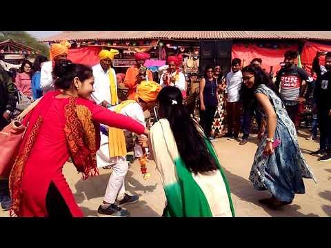 Dancing in Delhi