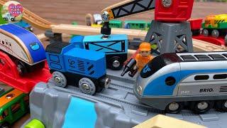 電車 おもちゃ ブリオとハペ ( BRIO & HAPE )☆お片付けボックスレールセットで遊んだよ☆子供向けのyoutube動画【ウピさん&upisch】
